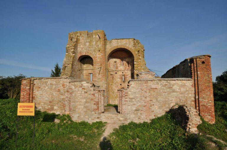 Руины храма Благовещения на Городище. 1342–1343