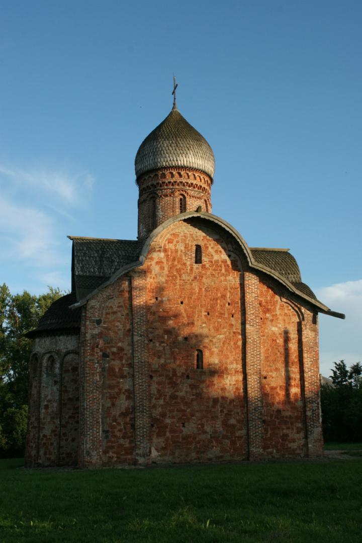 Северный фасад храма Петра и Павла в Кожевниках