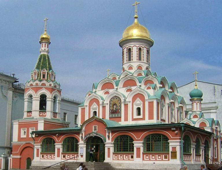 Собор Казанской иконы Божией Матери. 1634–1636. Восстановлен в 1990–1993