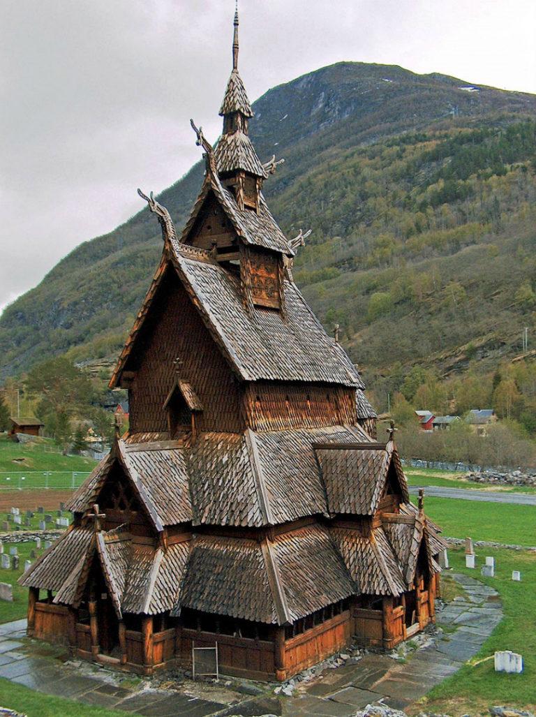 Ставкирка (каркасная церковь) в Боргунне. XII в.