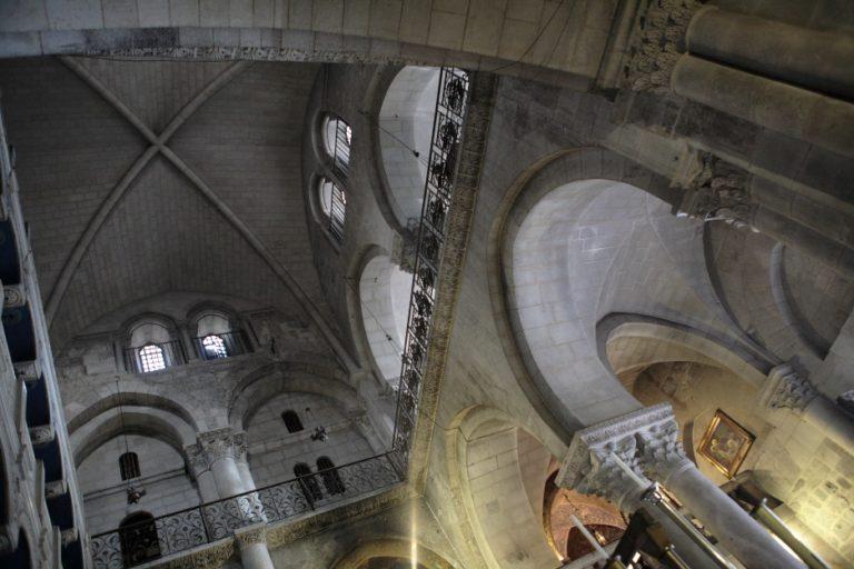 Свод Воскресенского собора Новоиерусалимского монастыря