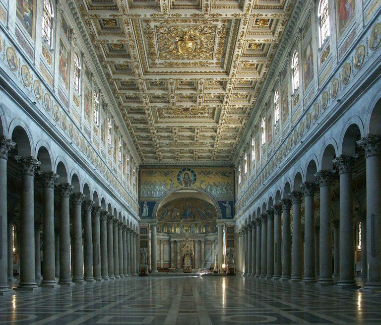 Центральный неф базилики Сан Паоло фуори ле Мура, Рим