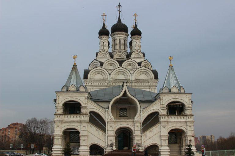 Церковь Благовещения в Тайнинском, вид с запада. 1675–1677