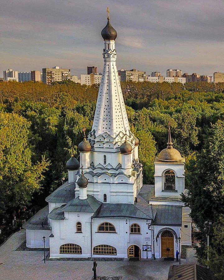 Церковь Покрова Пресвятой Богородицы в Медведкове. Ок. 1634 –1635