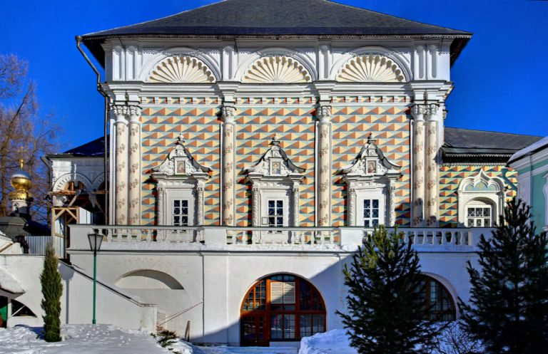 Трапезная церковь Сергия, западный фасад. 1686–1692