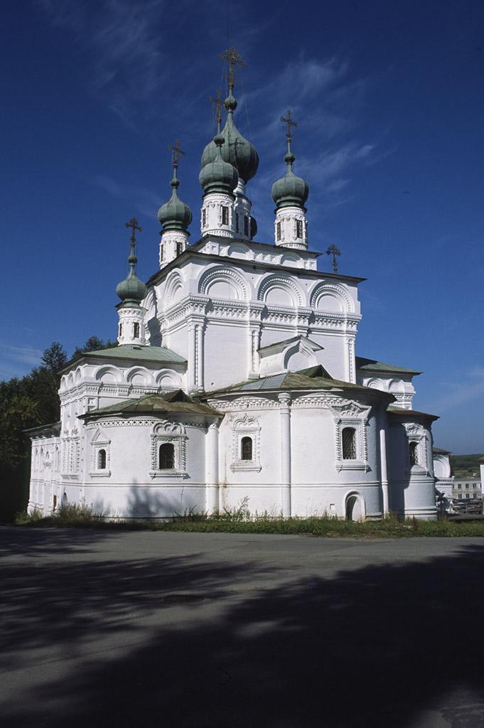 Троицкий собор, восточный фасад. 1685–1697