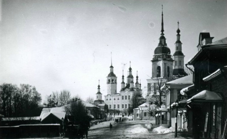 Вид на центр Тотьмы. Фото нач. XX в.