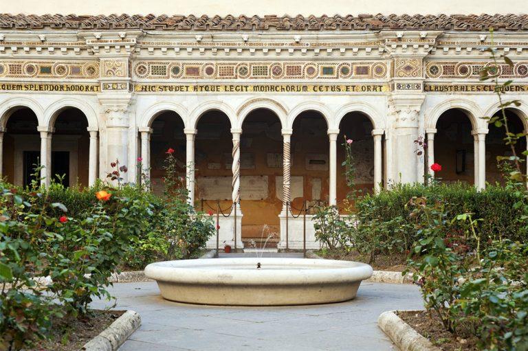 Внутренний дворик базилики Сан Паоло фуори ле Мура, Рим