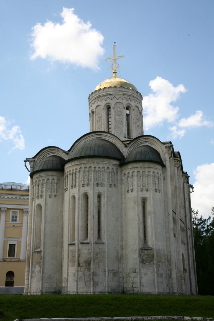 Восточный фасад Дмитриевского собора