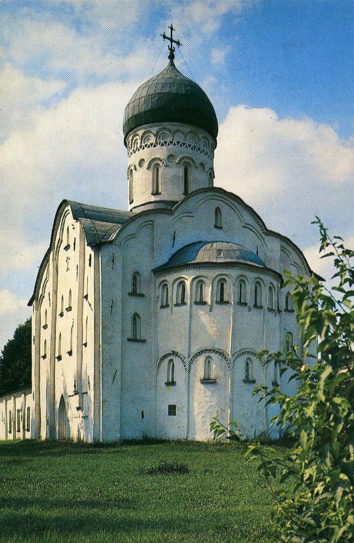 Восточный фасад храма Фёдора Стратилата на Ручью