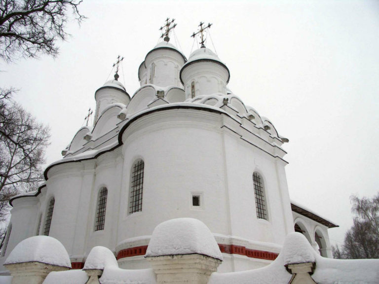 Восточный фасад церкви Спаса Преображения. 1597–1599