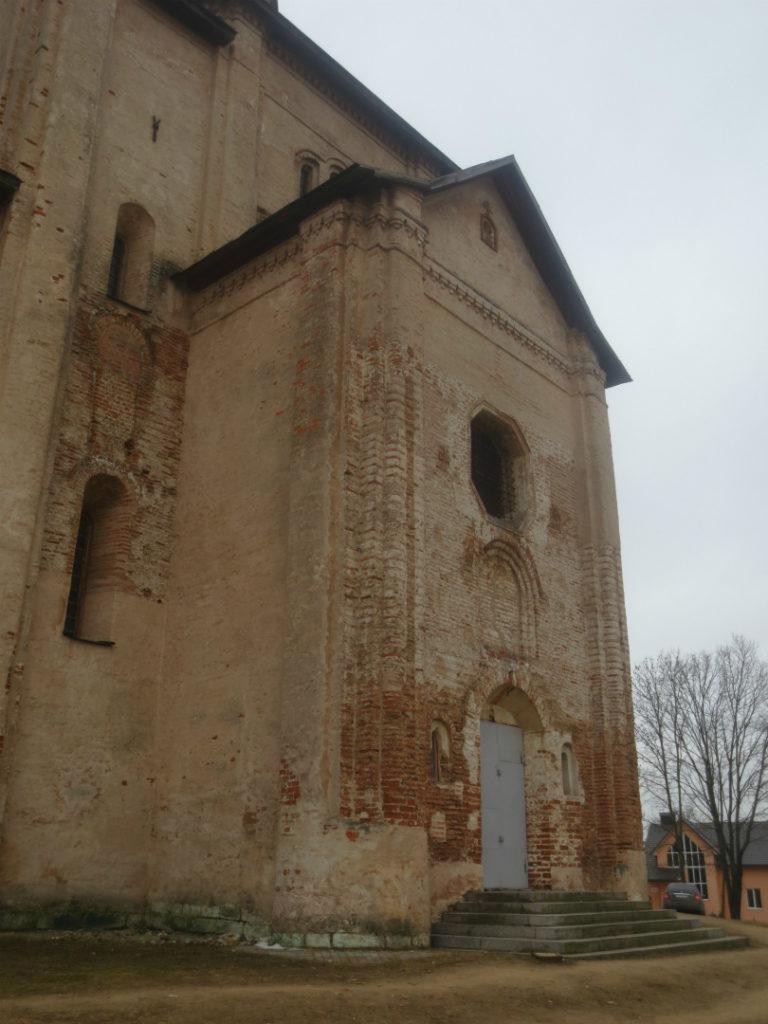 Западный притвор церкви Михаила Архангела