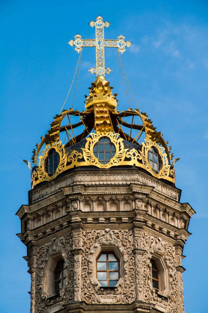 Завершение церкви Знамения в Дубровицах. 1690–1697