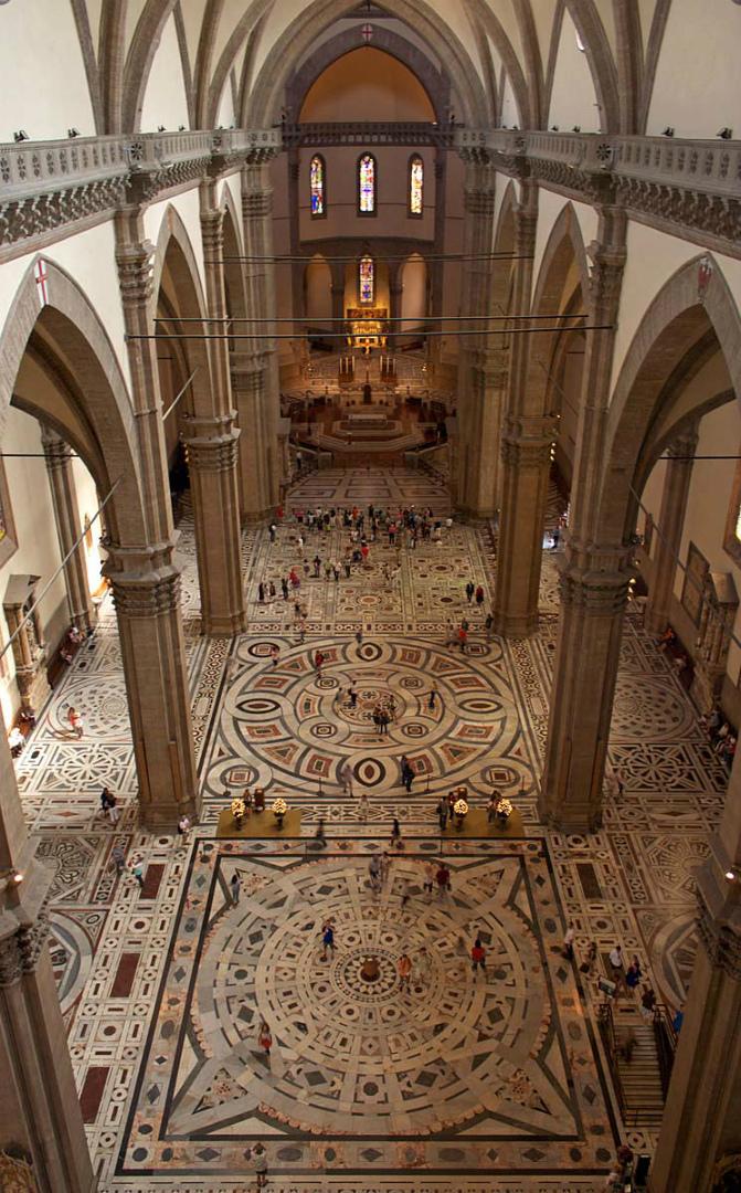 Интерьер собора Санта Мария дель Фьоре