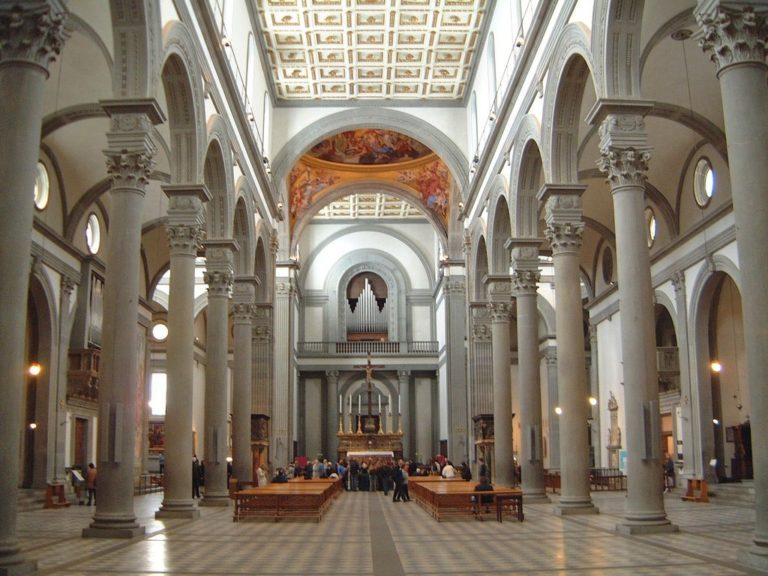 Интерьер церкви Сан Лоренцо