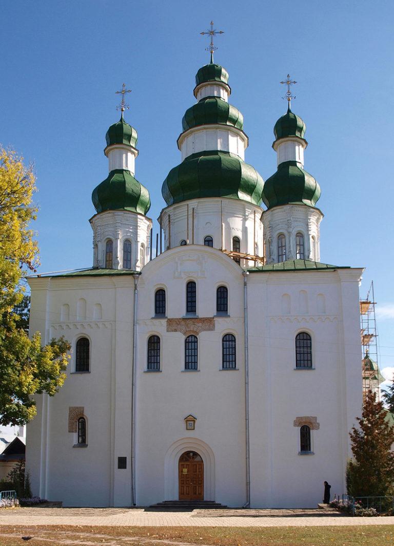 Успенский собор, вид с запада