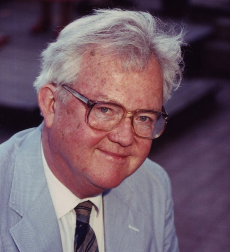Джеймс Кехилл (англ. James Francis Cahill, 1926–2014)