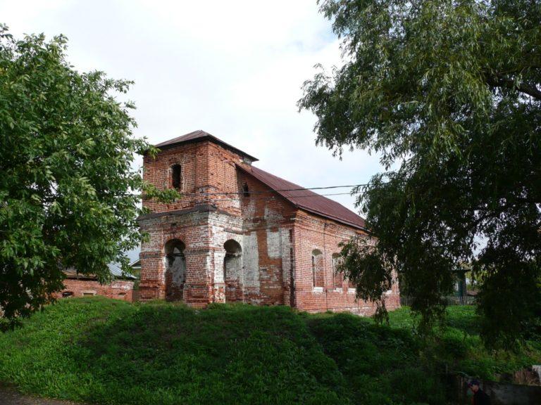 Руины храма Бориса и Глеба 1761 г. на месте храма XIII в.