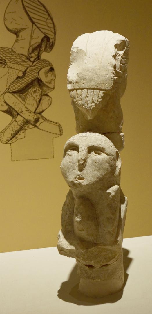 Тотемный столб, найденный в Невалы-Чори. IX–VIII тыс. до н.э.