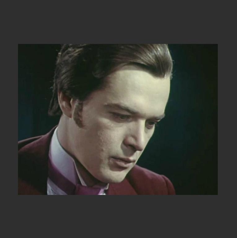 Александр Овчинников в роли Алёши. Кадр из телеспектакля «Униженные и оскорблённые». 1979