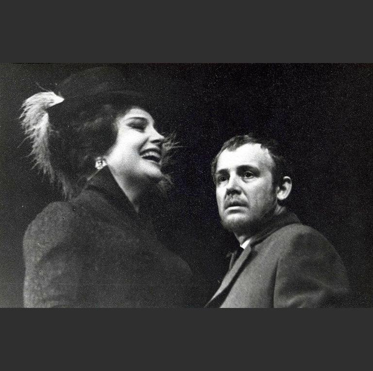 И. Смоктуновский в роли князя Мышкина и Т. Доронина в роли Настасьи Филипповны. Сцена из спектакля «Идиот». 1966