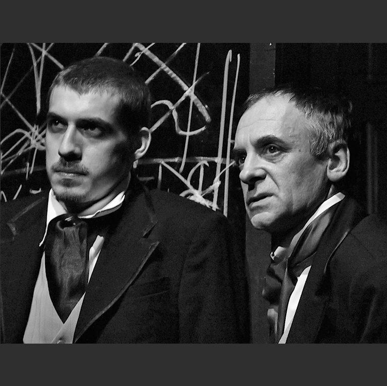 М. Фомин в роли Долгорукого и В. Дьяченко в роли Версилова. Сцена из спектакля «Подросток». 2008