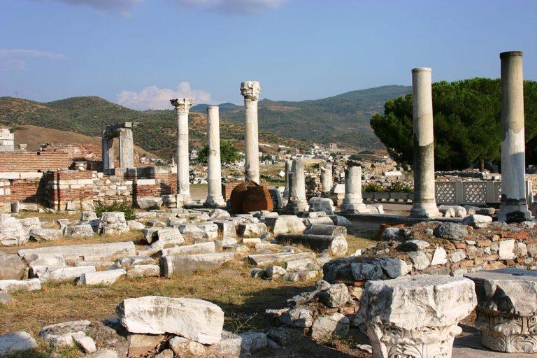 Руины базилики Иоанна Богослова