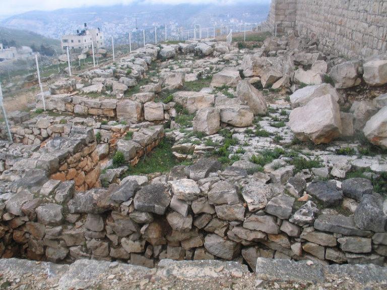 Руины церкви, построенной византийцами на месте самаритянского храма