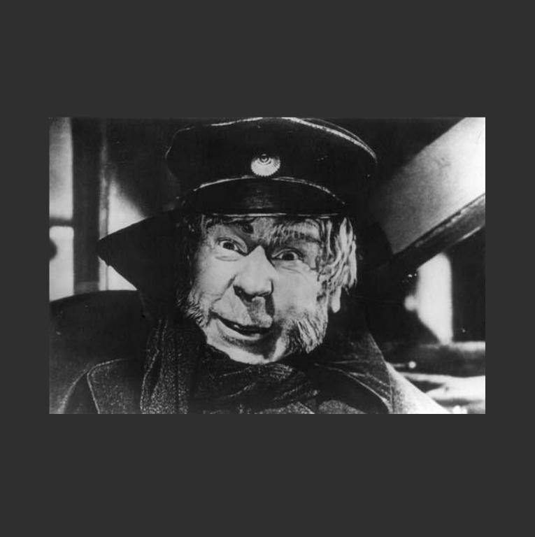 Сергей Мартинсон в роли Лебедева. Кадр из фильма «Идиот». 1958