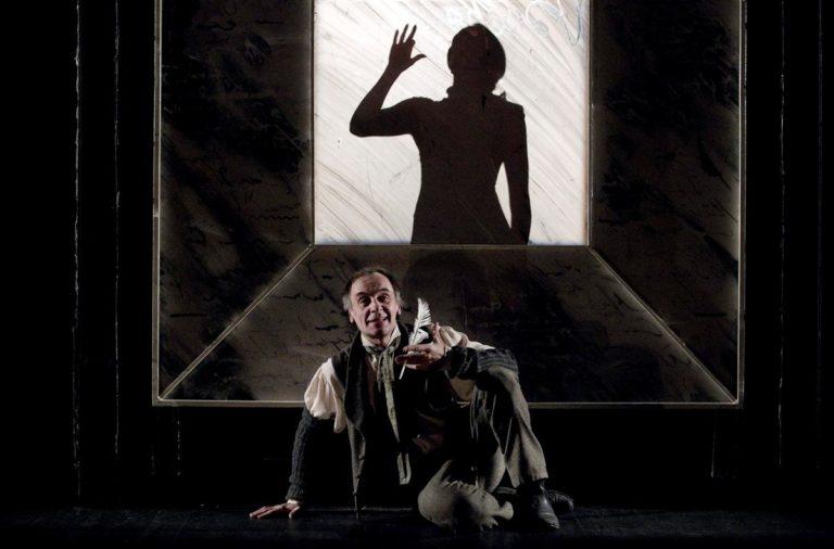 Сцена из спектакля «Бедные люди». 2007