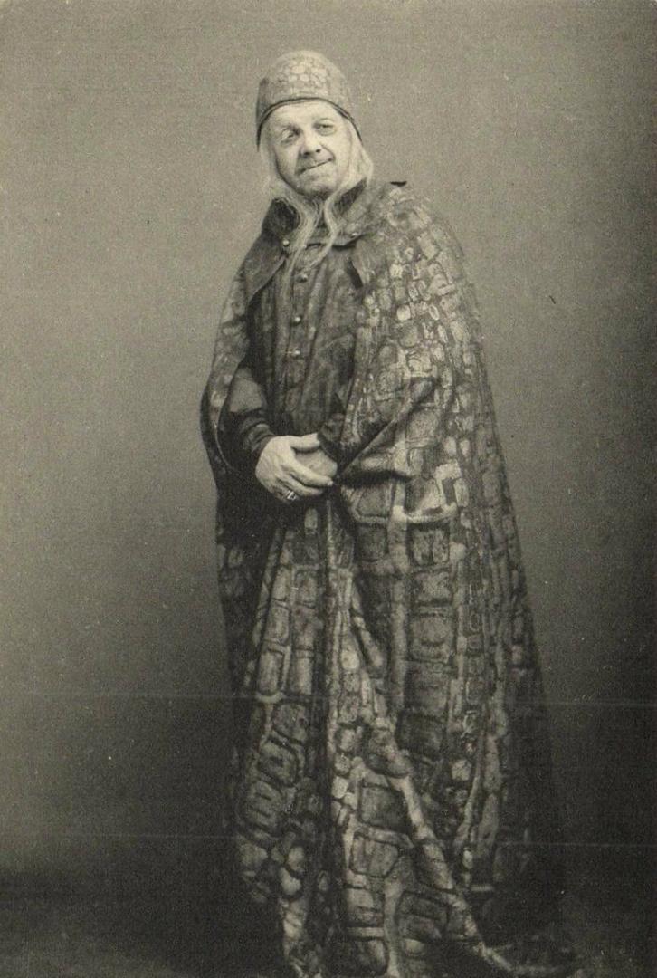 В. Лужский в роли Полония. Спектакль «Гамлет». 1911