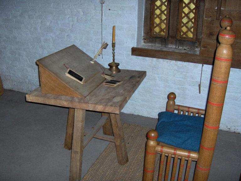 Реконструкция рабочего места средневекового писца