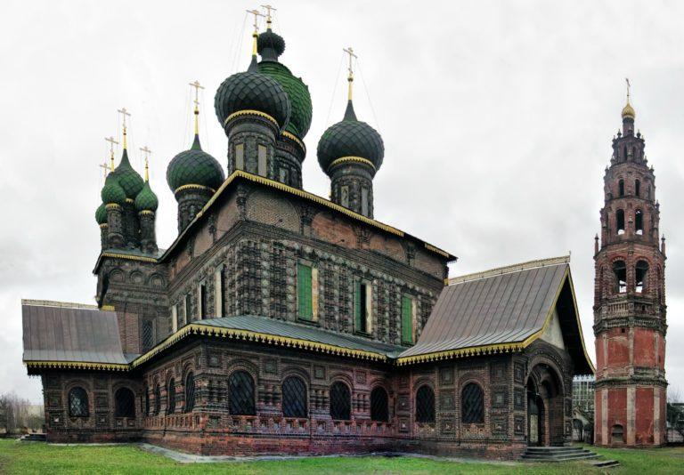 Церковь Иоанна Предтечи в Толчкове, вид с северо-запада. 1671–1687. Колокольня – ок. 1700