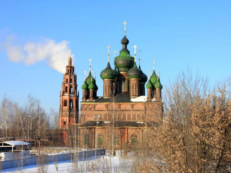 Церковь Иоанна Предтечи в Толчкове, вид с востока. 1671–1687. Колокольня – ок. 1700