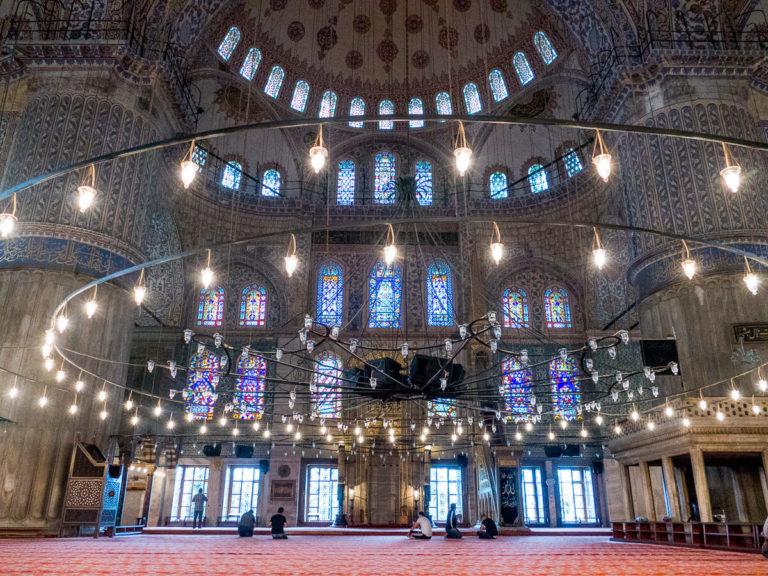 Интерьер Голубой мечети, Стамбул