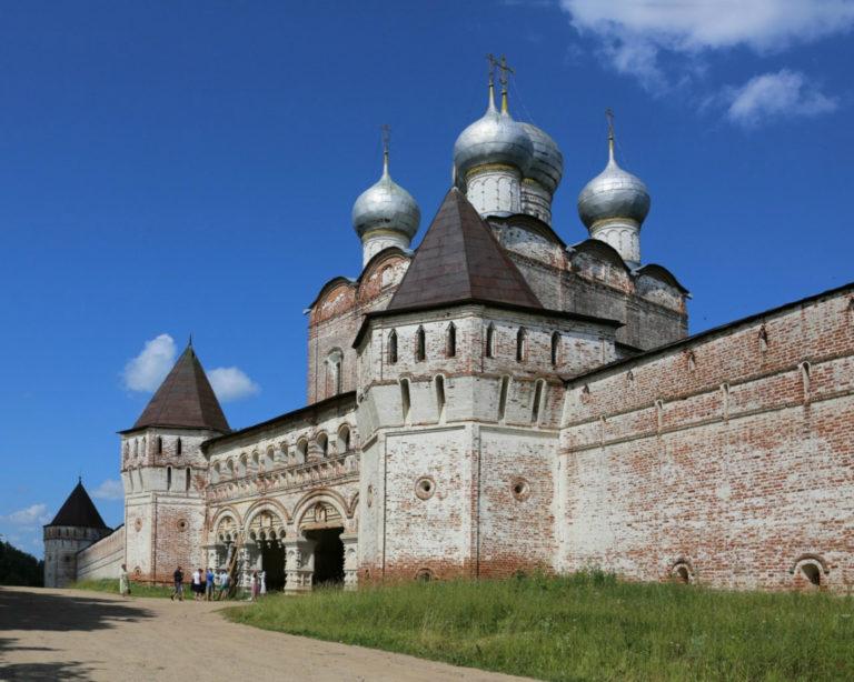 Надвратная церковь Сергия. 1679