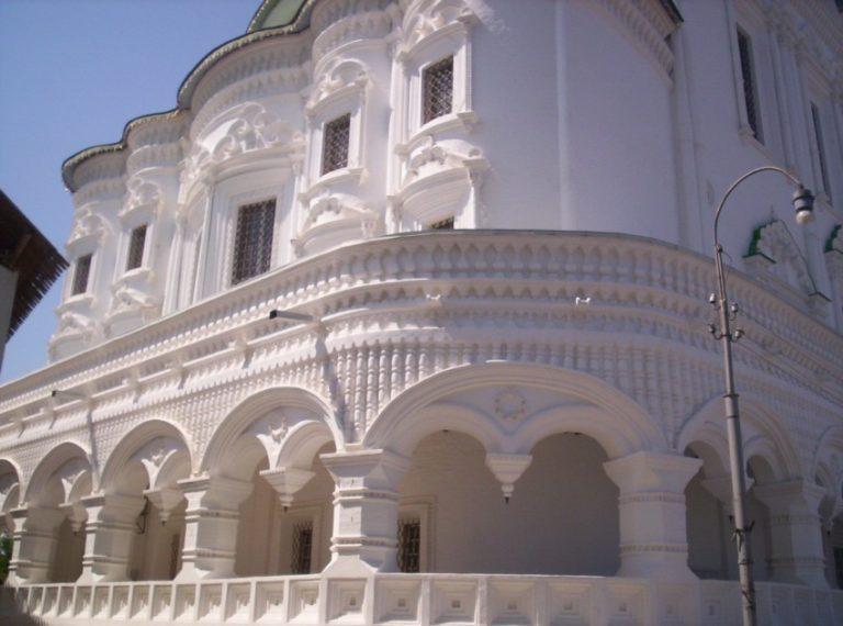 Фрагмент наружного декора Успенского собор