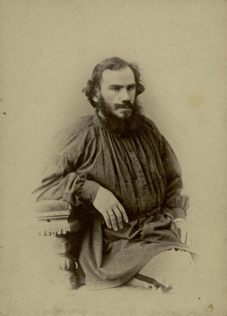 Лев Николаевич Толстой (1828–1910). Фото 1868 г.
