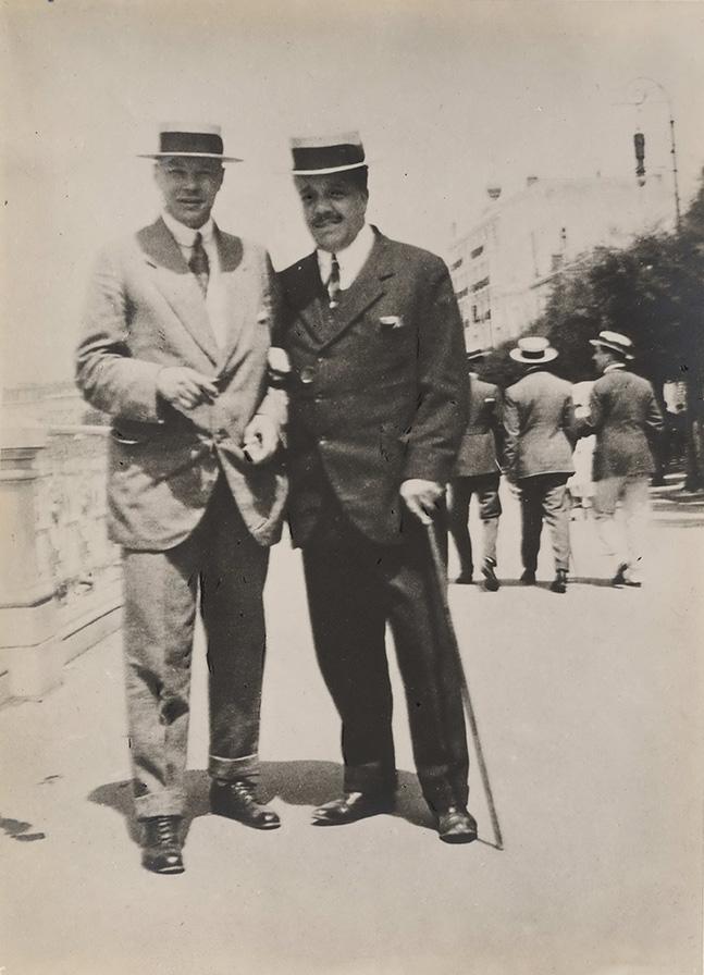 Михаил Ларионов и Сергей Дягилев в Монте-Карло. Фото 1920-х