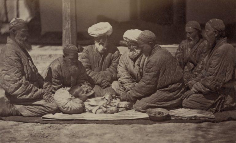 Обычаи Центральной Азии. Обрезание. Фото из этнографической части «Туркестанского альбома». 1865–1872