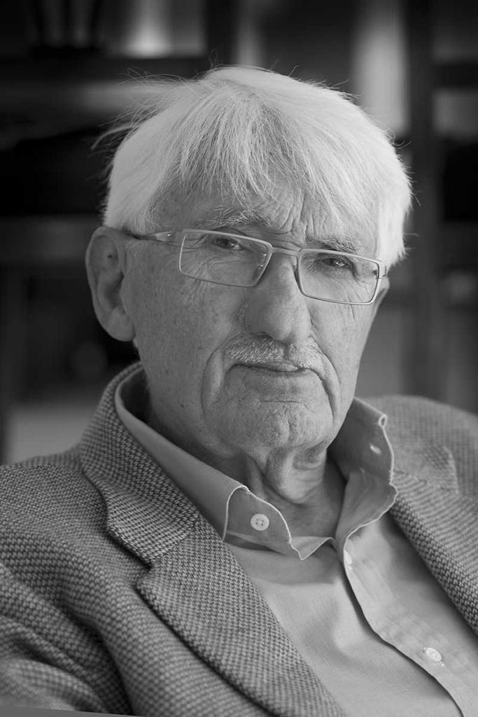 Юрген Хабермас (нем. Jürgen Habermas, род. 1929)